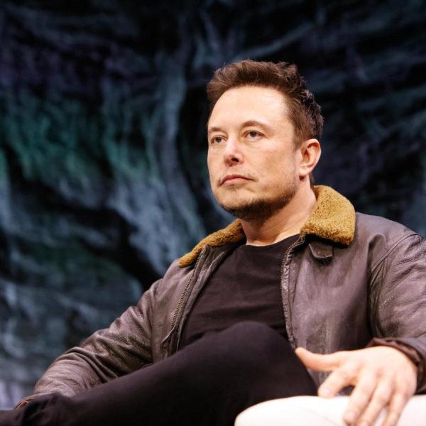 Régler la crise climatique grâce aux nouvelles technologies, le nouveau délire d'Elon Musk